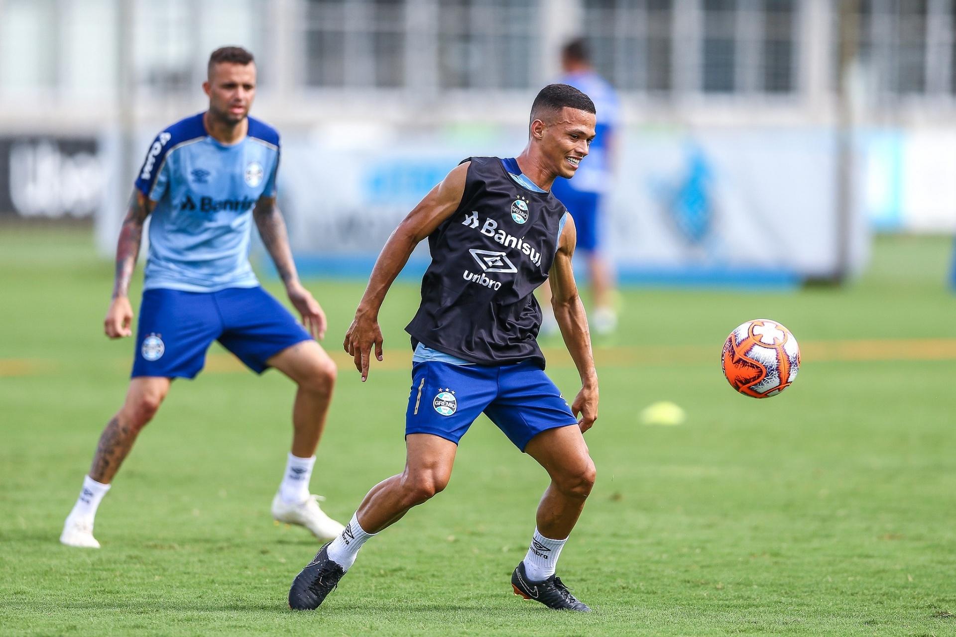 318f406b6f Grêmio inscreve no Gauchão promessas badaladas e volante sensação - 19 01  2019 - UOL Esporte