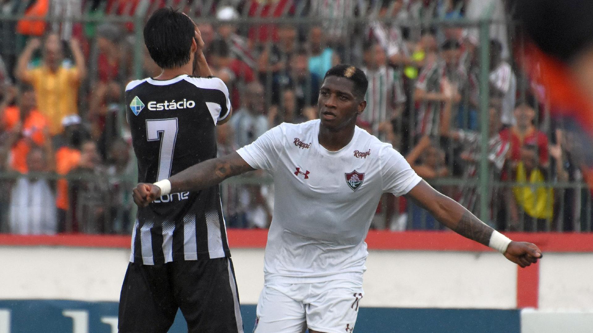 Yony Gonzalez comemora gol do Fluminense contra o Resende pela Taça Rio