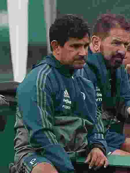 Eudes Pedro (e), durante treinamento em sua passam pelo Palmeiras e trabalhou com Cuca - Cesar Greco/Ag. Palmeiras