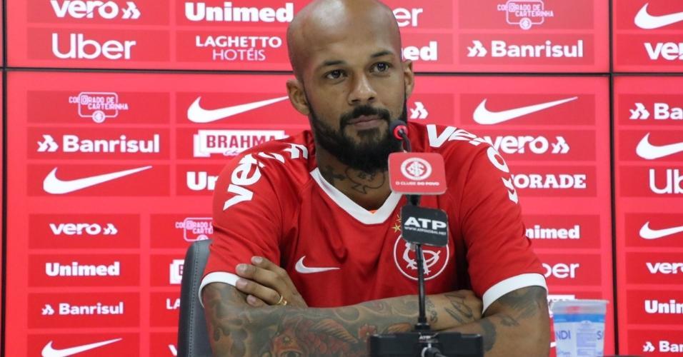 Bruno Silva concede entrevista no Internacional