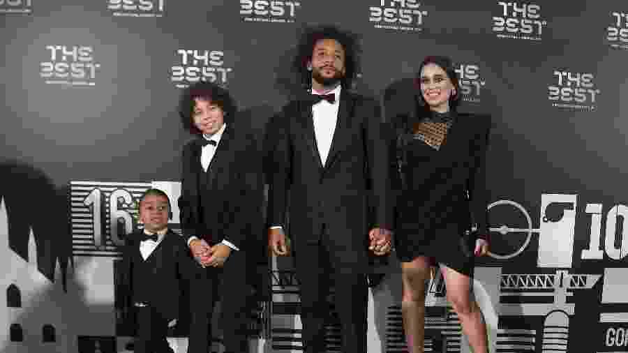 Marcelo comparece em cerimônia da Fifa acompanhado pela mulher e os filhos - Claudio Villa/Getty Images