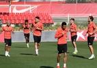 Atletas do Sevilla que quebraram regra de isolamento treinam com elenco