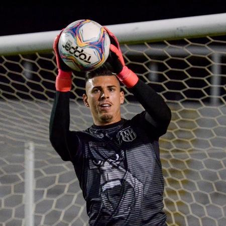 """Ivan está na lista de """"negociáveis"""" da Ponte Preta - Alvaro Jr."""