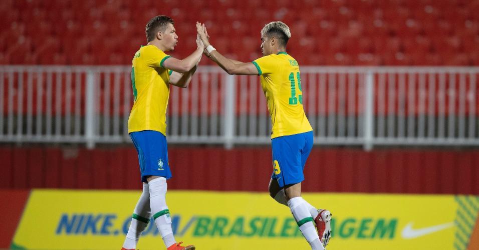 Reinier comemora gol pela seleção olímpica em amistoso contra Emirados Árabes Unidos