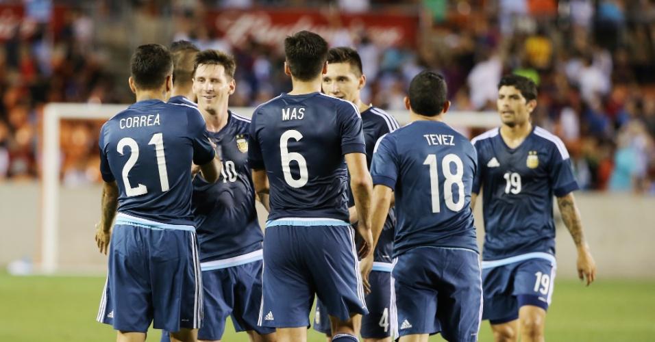 Angel Correa comemora gol pela Argentina contra a Bolívia