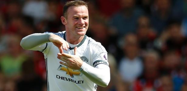 Wayne Rooney só é titular por marketing, declarou ex-jogador Paul Parker