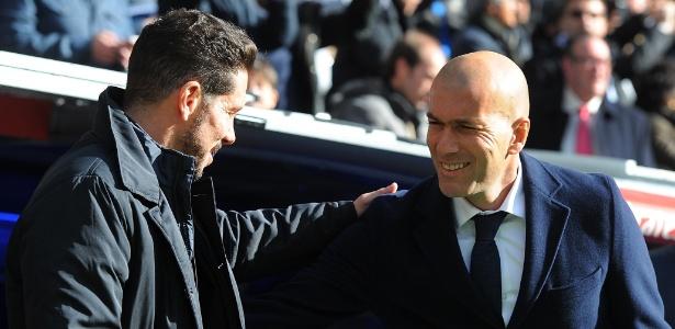 Diego Simeone, técnico do Atlético de Madri, e Zinedine Zidane, do Real Madrid - Denis Doyle/Getty Images