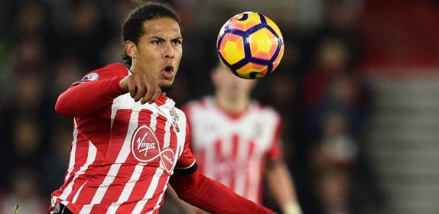 Liverpool queria Virgil van Dijk, mas reconheceu que negociação não envolveu o Southampton