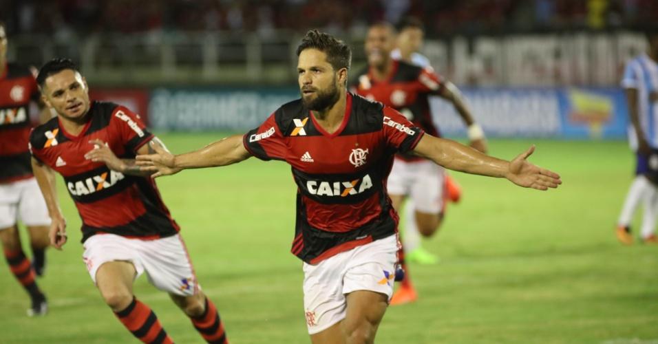 Diego marca de pênalti e comemora primeiro gol do Flamengo contra o Macaé