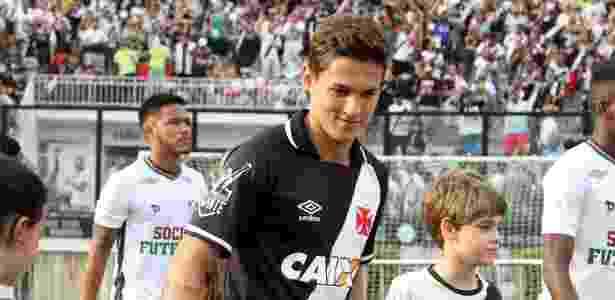 Garoto de 19 anos herda camisa 10 de Nenê e comanda Vasco contra o Grêmio e78b964d670fd