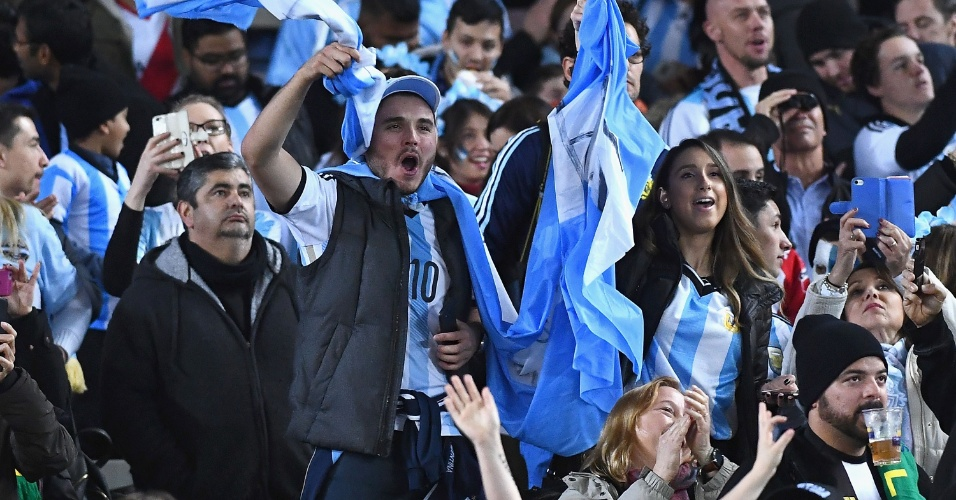 Torcida da Argentina antes de amistoso contra o Brasil