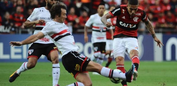 Lugano renovou com São Paulo até o fim desta temporada, mas pode ficar fora do banco