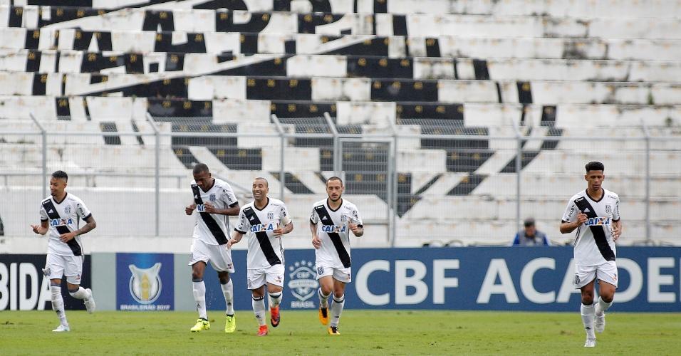 Jogadores da Ponte Preta comemoram gol marcado por Emerson Sheik contra o Botafogo