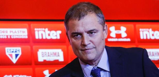 Diego Aguirre em sua apresentação; uruguaio está instalado no CT do clube