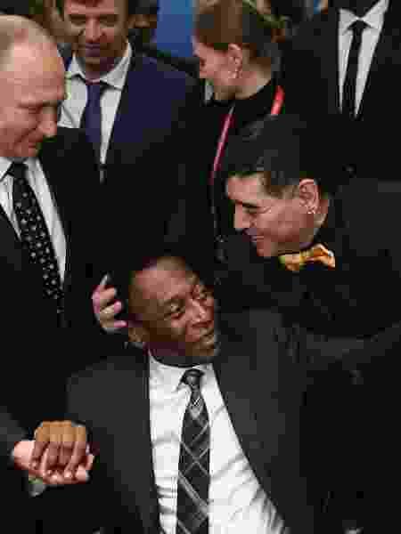 Pelé e Maradona no sorteio dos grupos da Copa do Mundo da Rússia - Michael Regan - FIFA/FIFA via Getty Images - Michael Regan - FIFA/FIFA via Getty Images