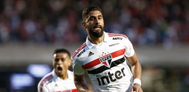 Tréllez em comemoração do gol contra o Vasco, que deu a liderança ao São Paulo