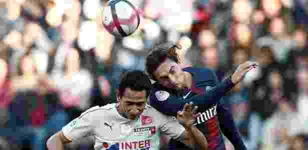Paulo Henrique Ganso em ação pelo Amiens diante do PSG -  Reuters/Benoit Tessier