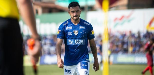 Cruzeiro planeja lançar uniforme principal antes da estreia na Libertadores  - Esporte - BOL 37cc6d3bd7037
