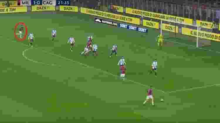 Paquetá corre por trás da defesa do Cagliari para marcar seu 1º gol pelo Milan - Reprodução/Dazn - Reprodução/Dazn