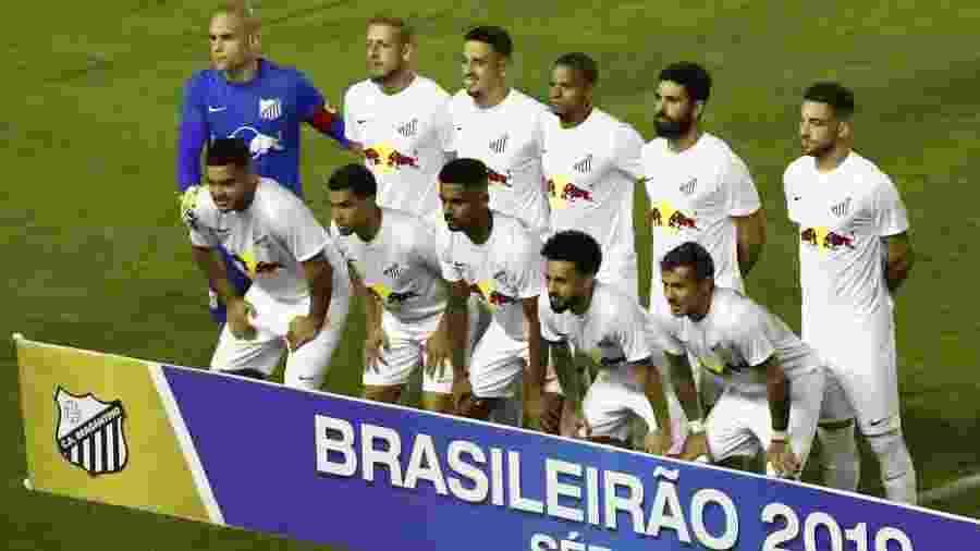 Jogadores do Bragantino posam antes de jogo contra o Sport - Paulo Paiva/AGIF