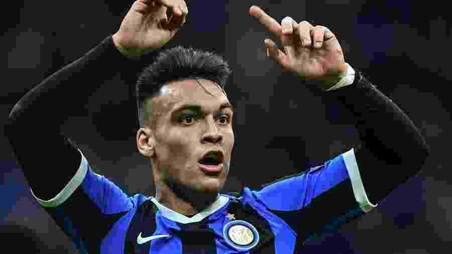 Lautaro Martinez, da Inter de Milão, em jogo contra o Barcelona - Miguel MEDINA / AFP