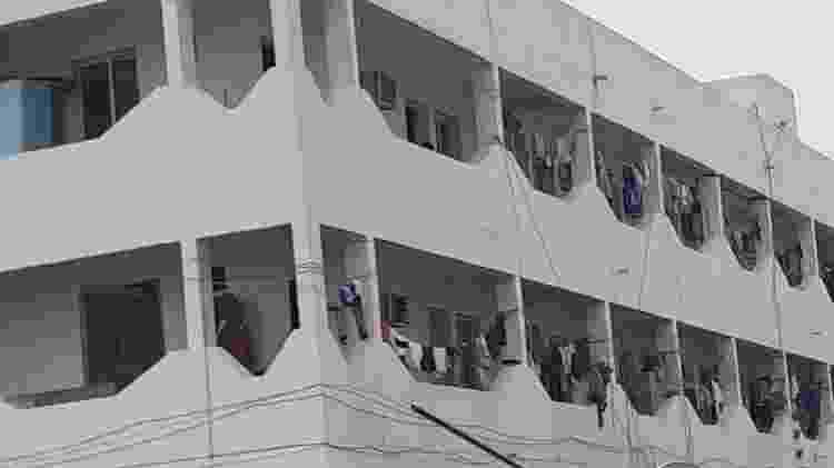 Fachada de prédio de imigrantes em Doha, Qatar - Leo Burlá/UOL - Leo Burlá/UOL