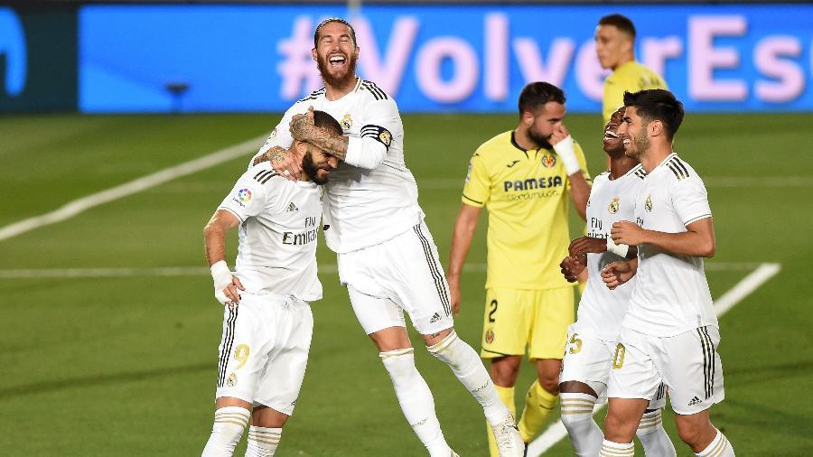 Na primeira cobrança, Benzema recebeu e fez, mas árbitro assinalou invasão; na segunda, bateu e não desperdiçou - Denis Doyle/Getty Images