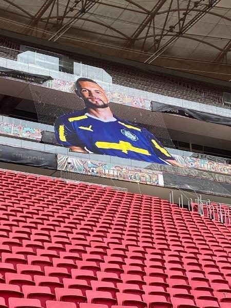 Mosaico de Weverton feito no Mané Garrincha para a Recopa - Reprodução/Twitter