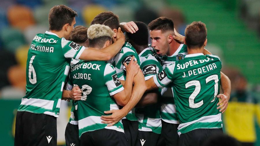 Jogadores do Sporting comemoram título do Campeonato Português - REUTERS/Pedro Nunes