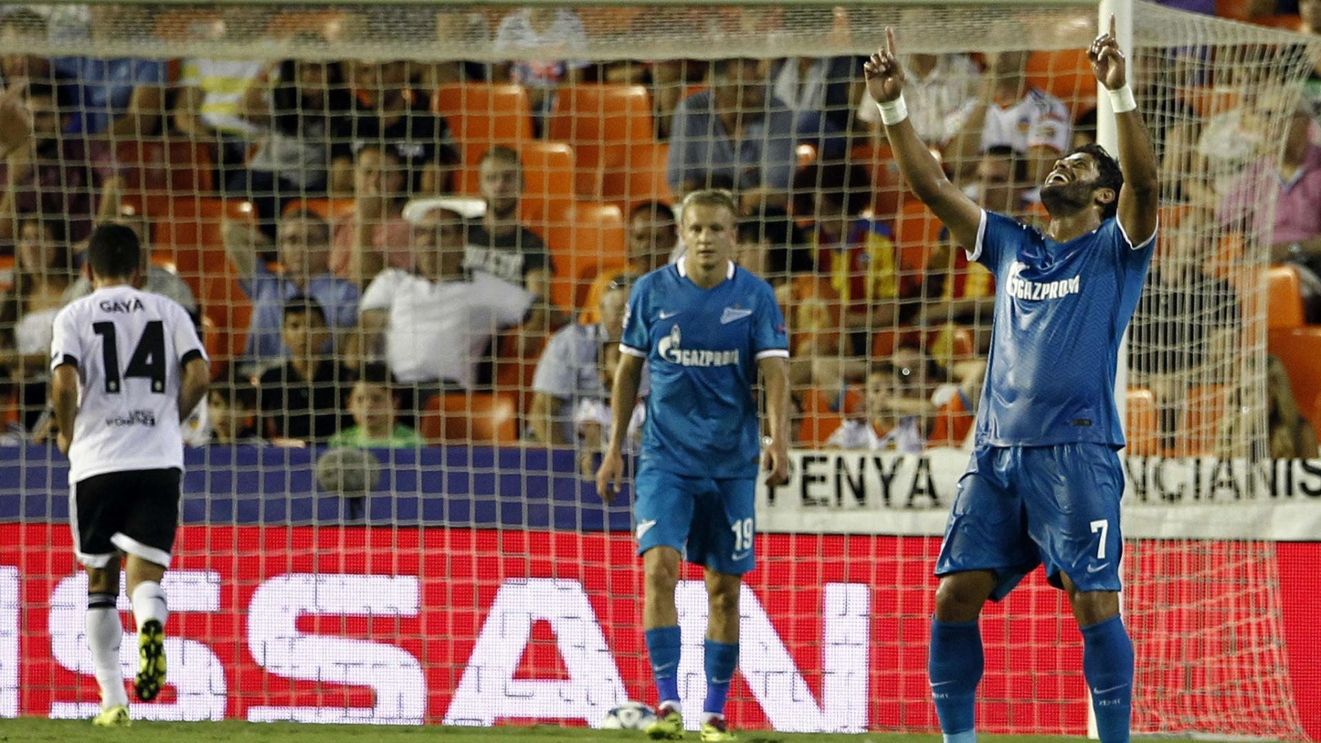 Hulk celebra após marcar para o Zenit contra o Valencia pela Liga dos Campeões