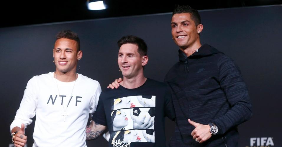 11.jan.2016 - Neymar, Lionel Messi e Cristiano Ronaldo posam após a entrevista coletiva antes da cerimônia de entrega da Bola de Ouro