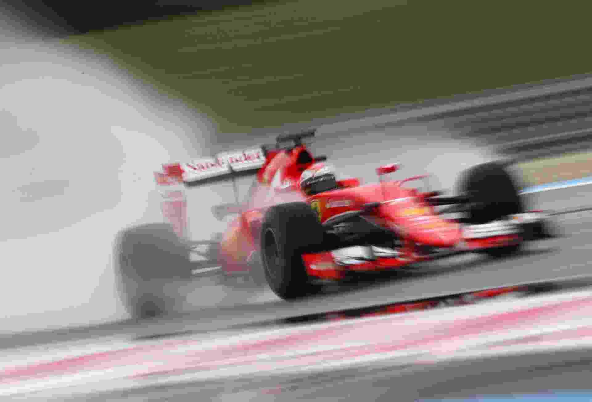 Kimi Raikkonen participa de teste da Pirelli pela Ferrari em Paul Ricard - Mark Thompson/Getty Images