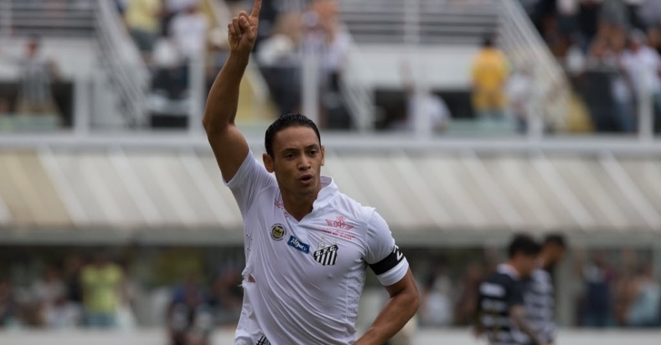 Ricardo Oliveira comemora gol contra o Corinthians em clássico na Vila Belmiro