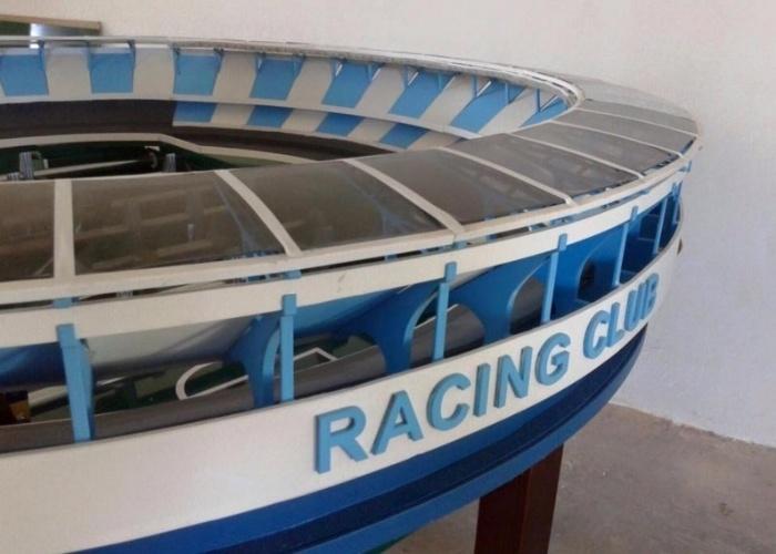 Versão mesa de pebolim do El Cilindro, estádio do Racing (ARG)
