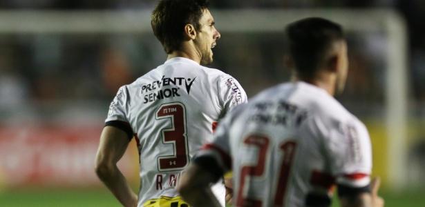 Rodrigo Caio comemora único gol do São Paulo contra o Juventude