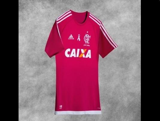 A edição limitada da camisa do Flamengo em homenagem ao Outubro Rosa