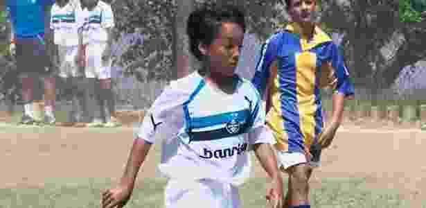 João Antonio, filho, pela escolinha de futebol do Grêmio - Arquivo pessoal - Arquivo pessoal