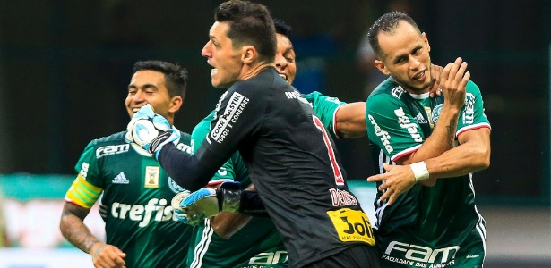 Dênis lamenta gol sofrido diante do Palmeiras