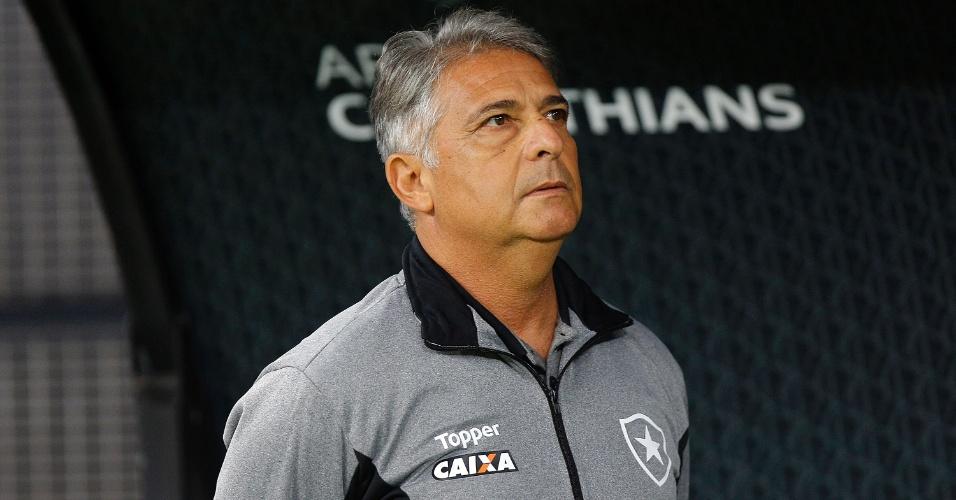 Técnico Marcos Paquetá comanda o Botafogo contra o Corinthians, em jogo do Brasileirão
