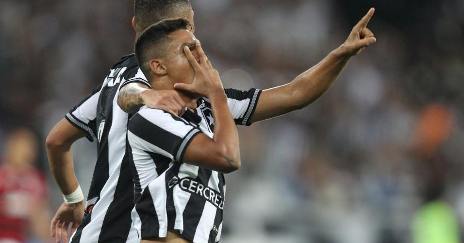 Erik comemora gol do Botafogo diante do Flamengo pelo Campeonato Brasileiro 2018