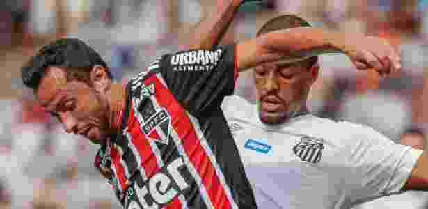 São Paulo foi derrotado pelo Santos no último domingo - Marcello Zambrana/AGIF