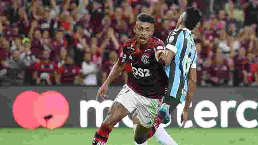 Bruno Henrique celebra gol pelo Flamengo contra o Grêmio - Sergio Moraes/Reuters