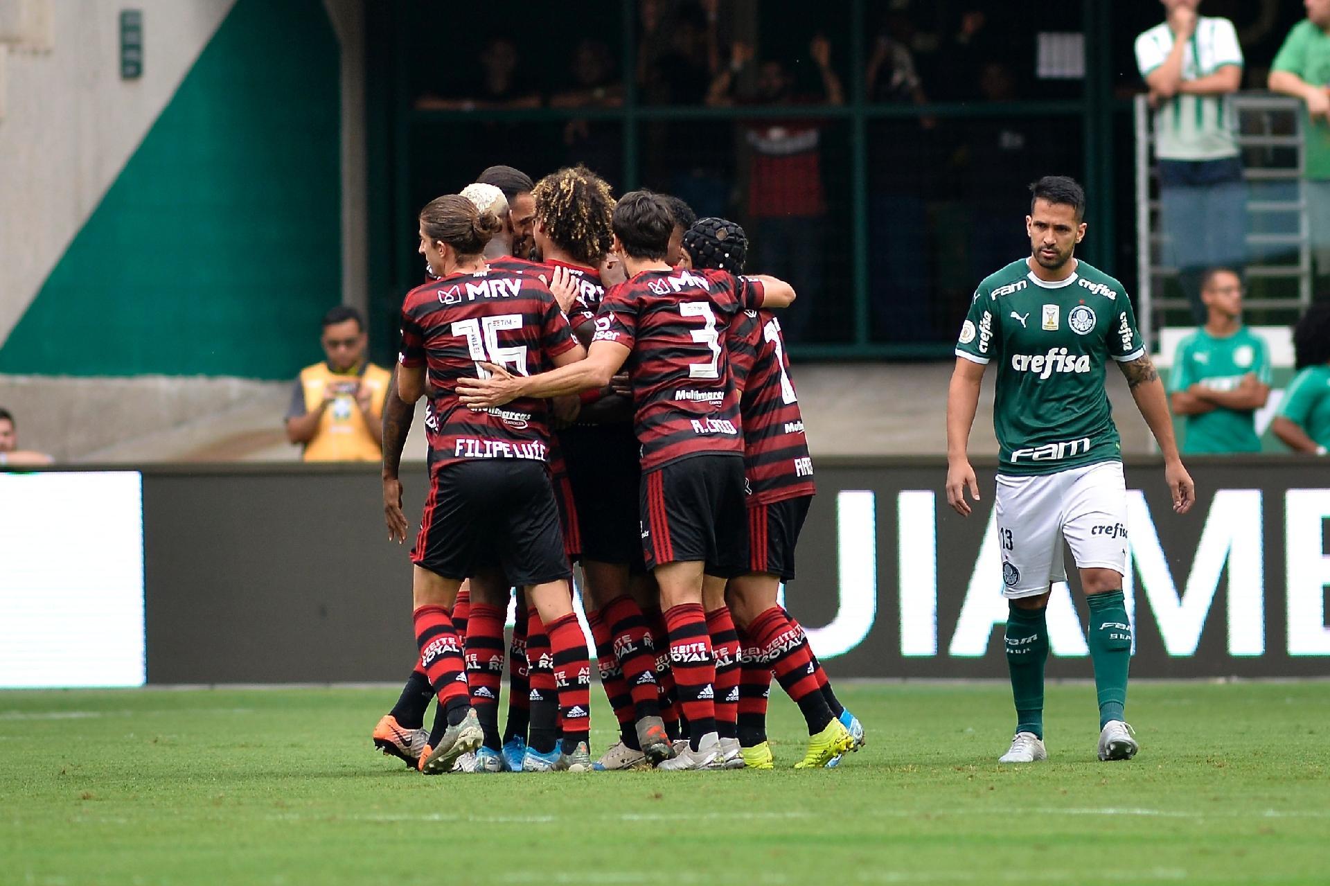 Mengão escalado para o duelo contra o Palmeiras; confira