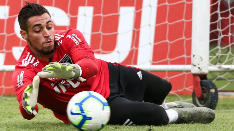 Após agredir esposa, o goleiro Jean terá a situação resolvida no São Paulo nesta semana - Marcello Zambrana/AGIF