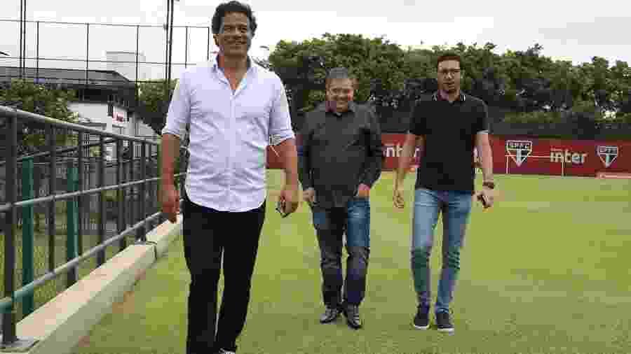 O diretor-executivo de futebol Raí, o diretor adjunto Fernando Chapecó e o gerente-executivo de futebol Alexandre Pássaro, no São Paulo - Rubens Chiri/saopaulofc.net