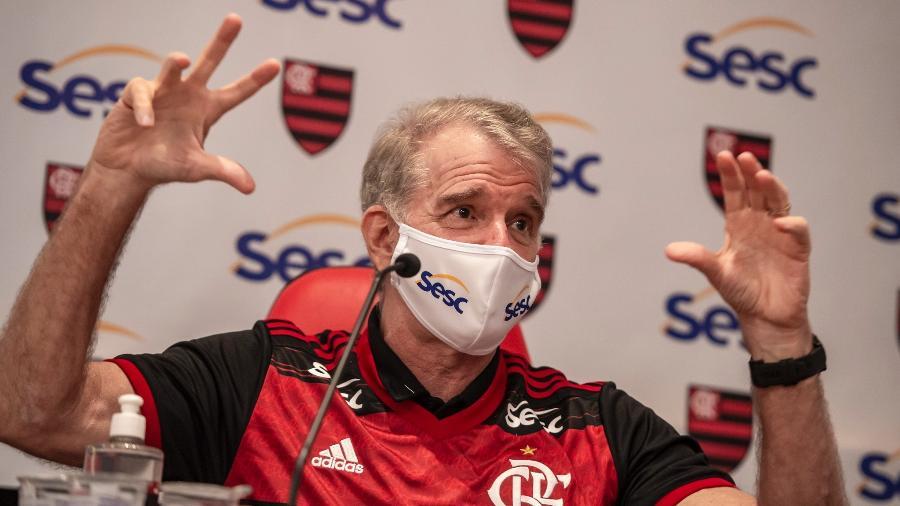 Bernardinho é apresentado no Flamengo - Marcelo Cortes / Flamengo