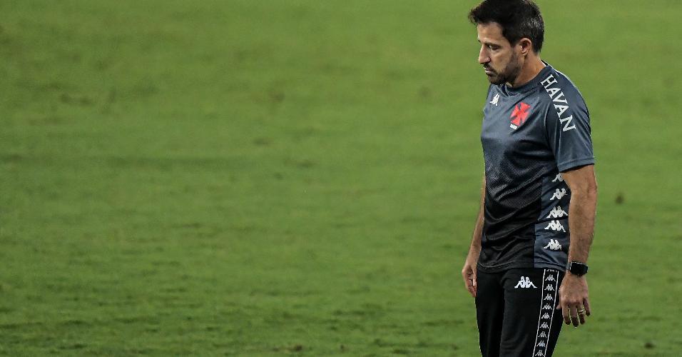 Ramon Menezes comanda o Vasco na partida contra o Botafogo pela Copa do Brasil