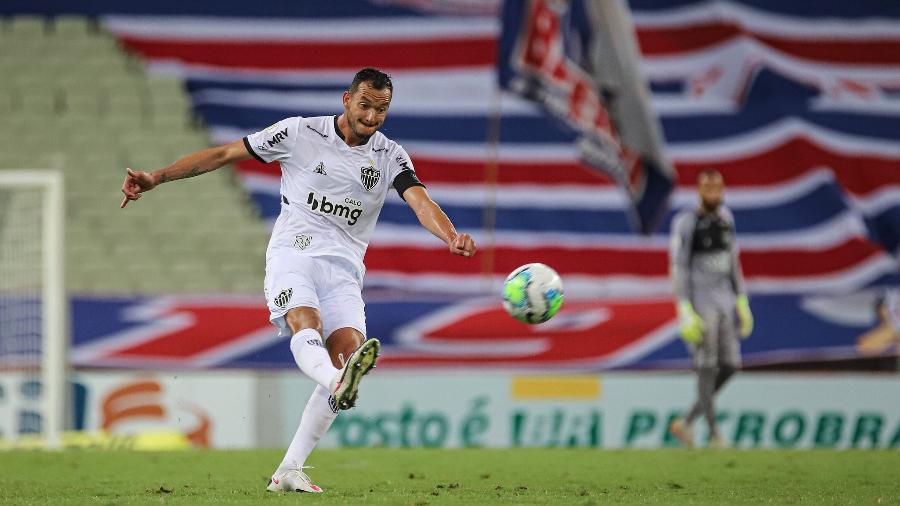 Zagueiro Réver jogou apenas um tempo na derrota para o Fortaleza por causa de dor muscular - Pedro Souza/Atlético-MG