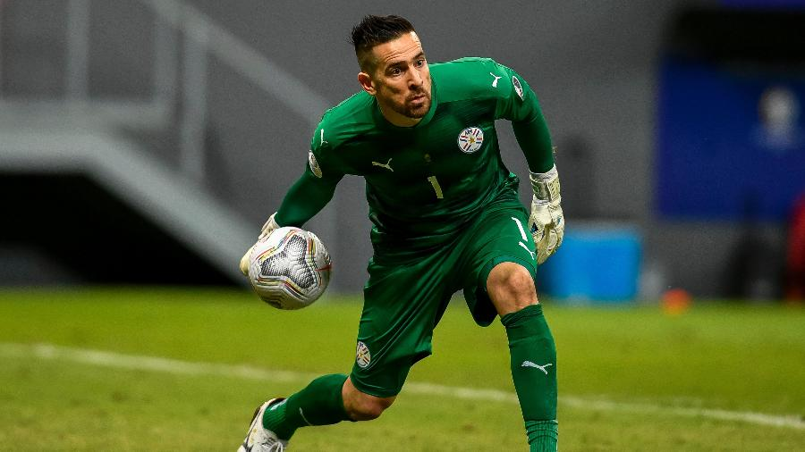 Antony Silva é o goleiro titular do Paraguai na Copa América 2021 - Mateus Bonomi/AGIF