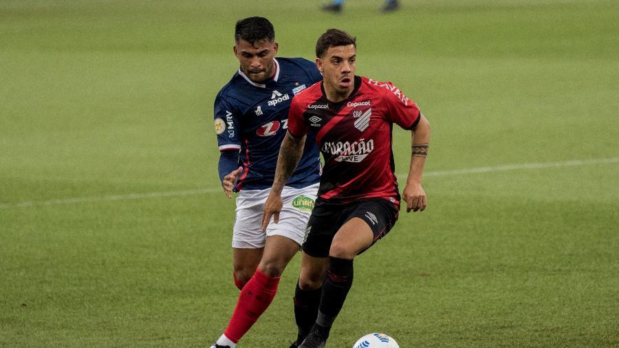 Fortaleza tenta se recuperar após derrota para o Athletico Paranaense na Arena da Baixada - Robson Mafra/AGIF